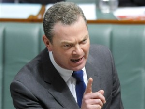 233360-aust-obsessed-with-small-class-sizes-pyne