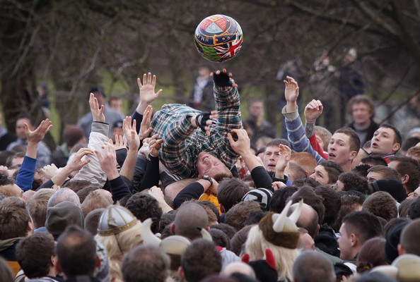 The match commences after a rendition of the Shrovetide Anthem. Source: Zimbio