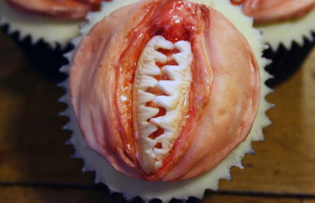 Vulva teeth