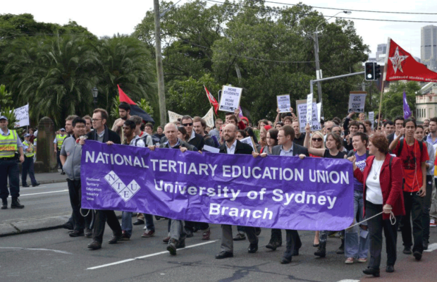 picture of NTEU, staff and students protesting