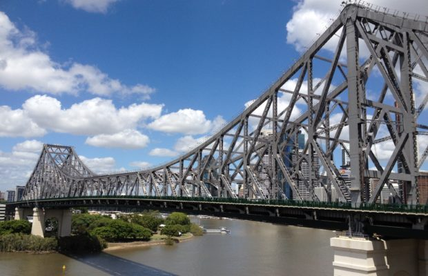 Story_Bridge,_Brisbane_side_view_from_New_Farm,
